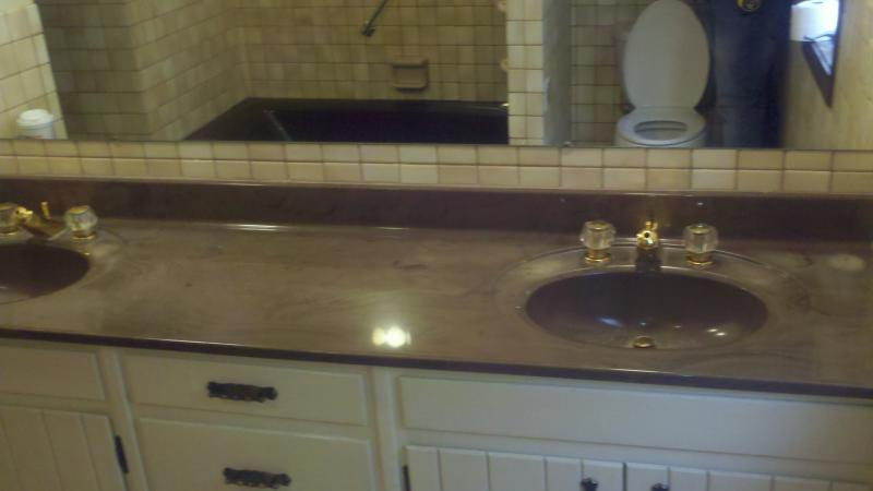 riser bathroom before pic #2